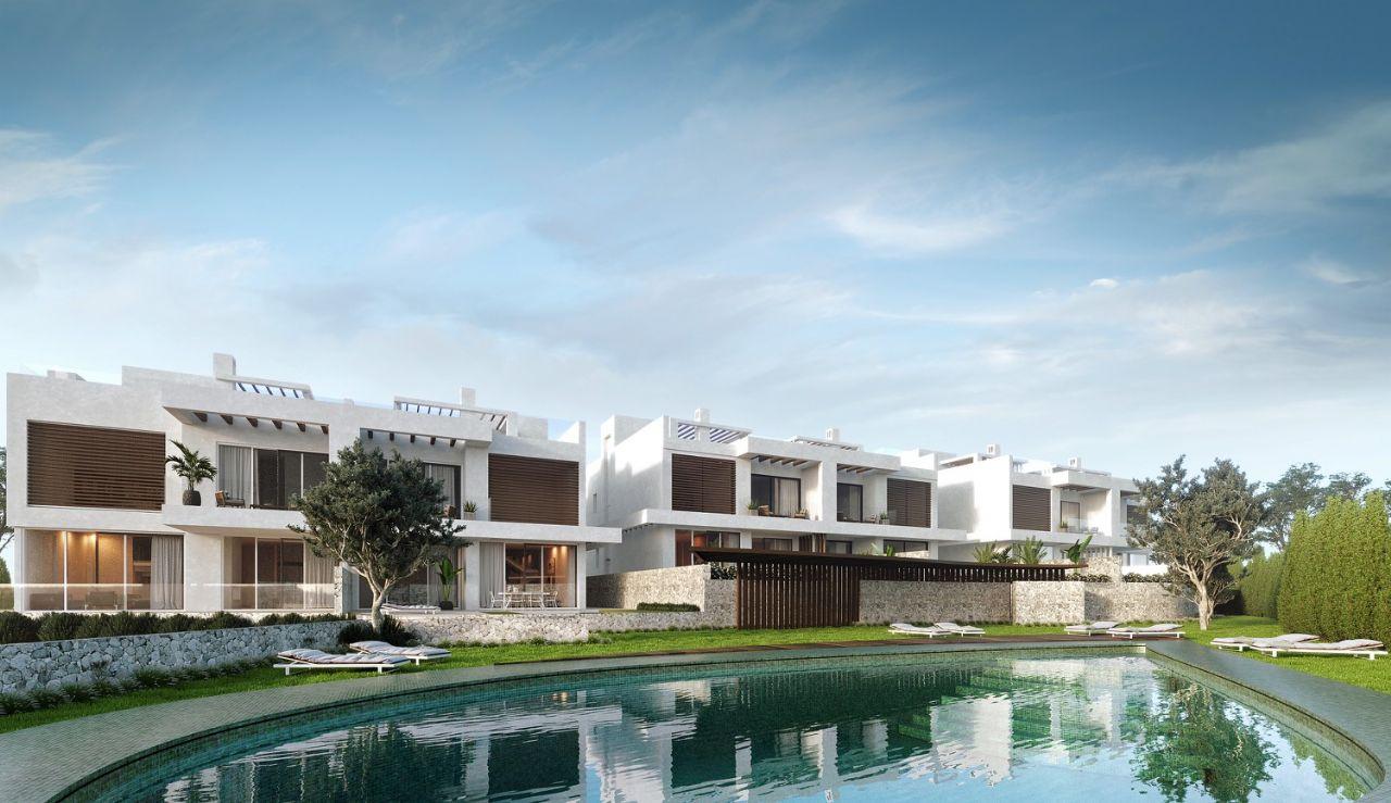 LUX0283: Semi Detached Villa in Marbella