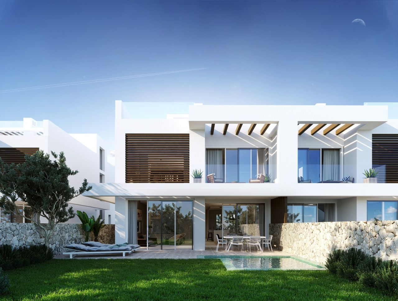 LUX0283: Semi Detached Villa in Marbella