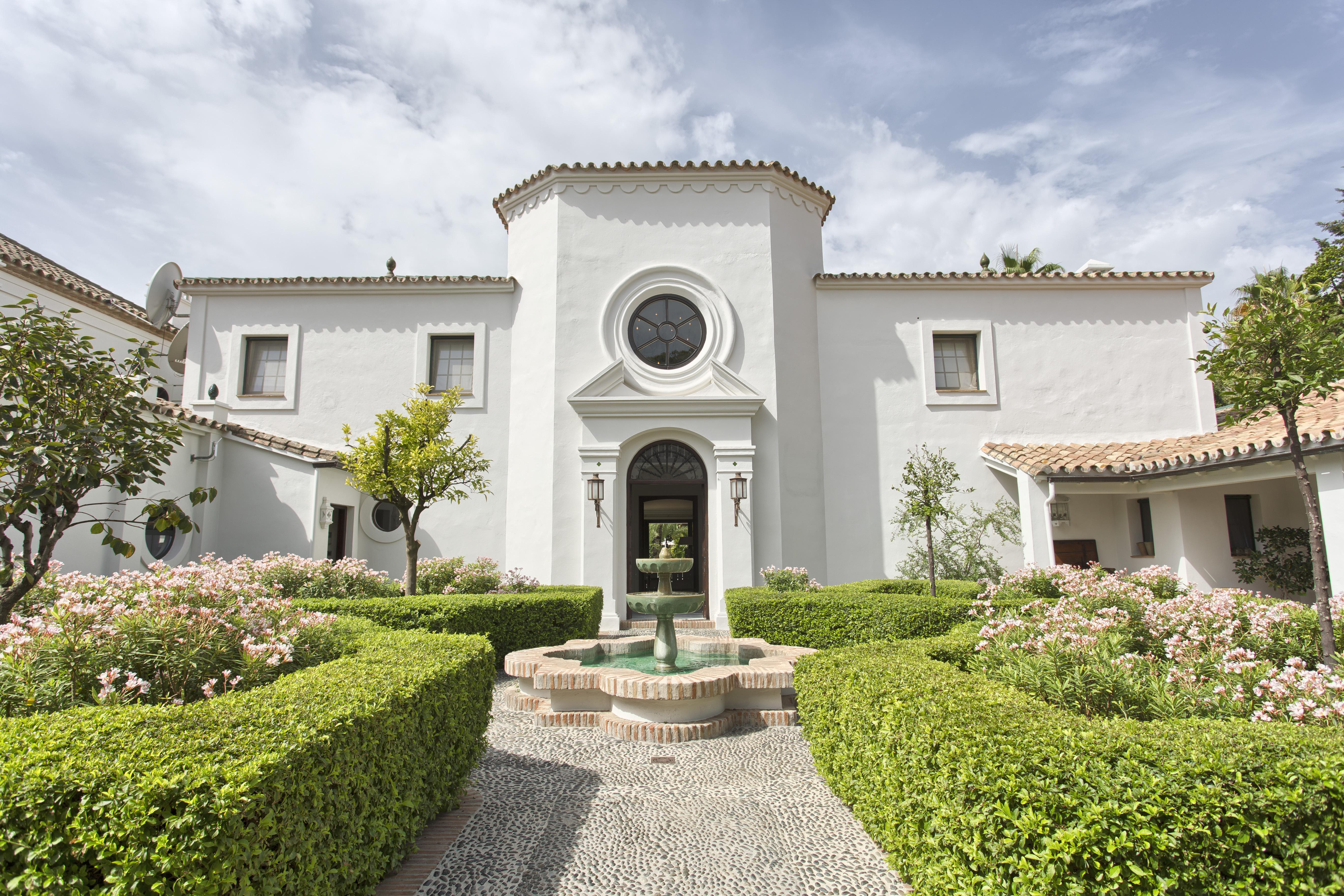 LUX0375: Villa in San Pedro de Alcantara