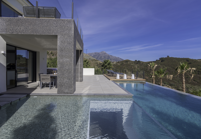 Ref:LUX0369 Villa For Sale in Benahavis