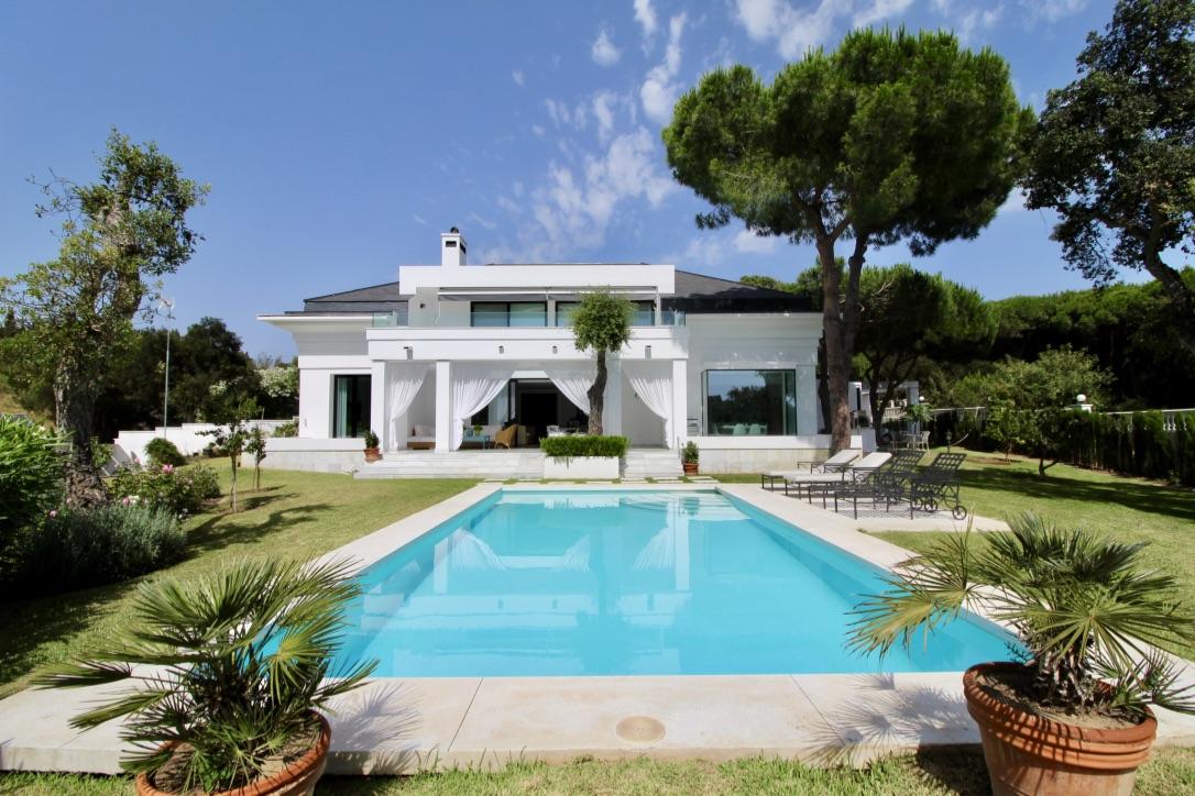 Ref:LUX0343 Villa For Sale in Marbella