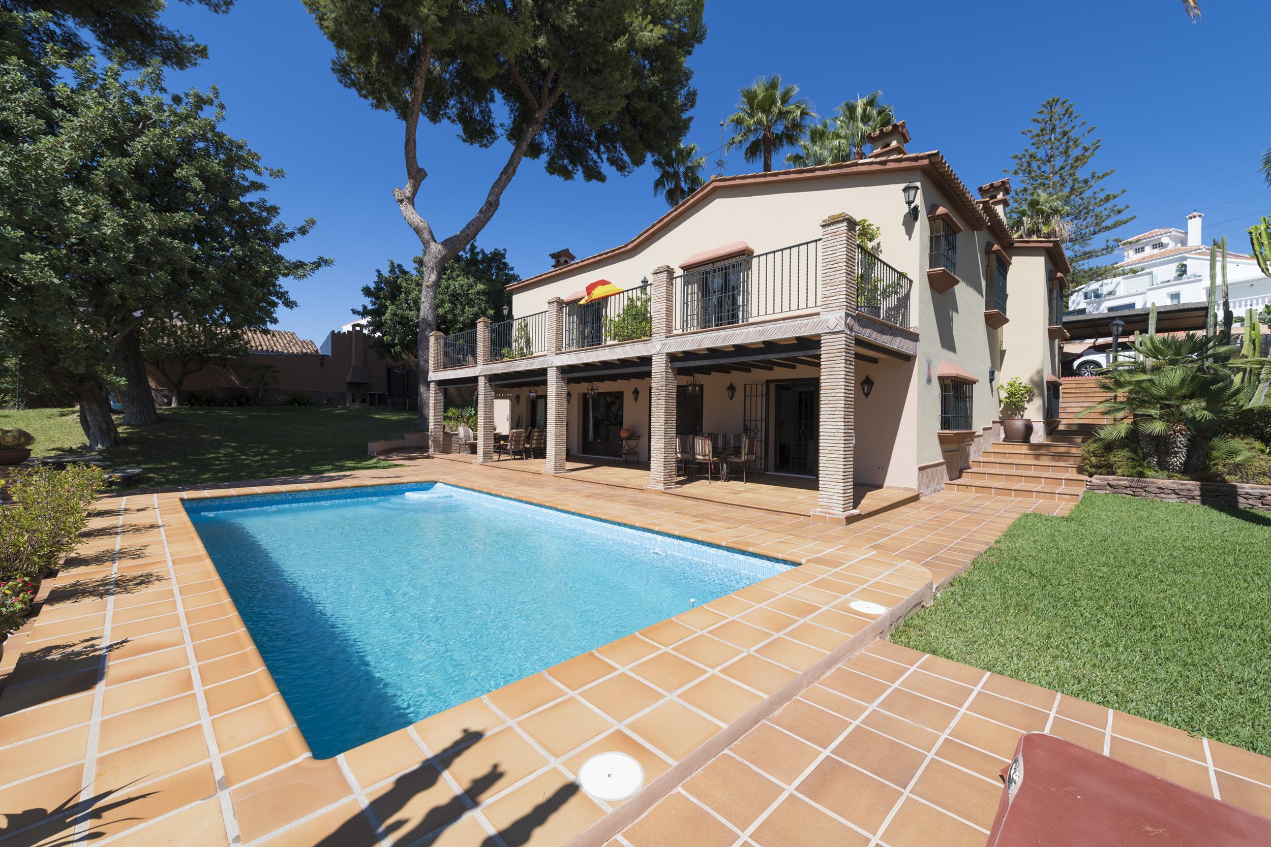 Villa in Malaga - Este