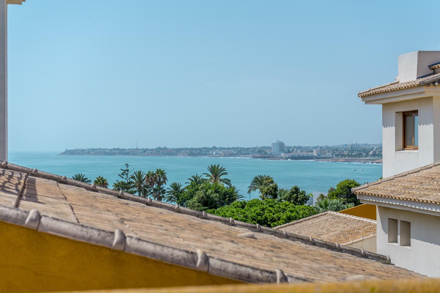 Penthouse in Punta Prima