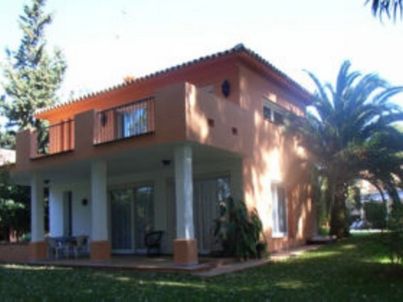 Villa for Sale in Park Beach, Estepona