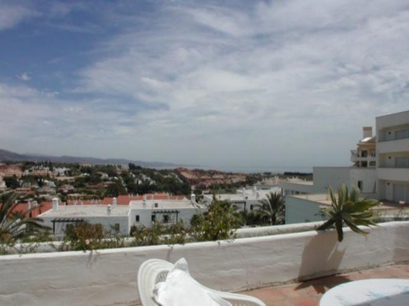 Apartment for Sale in Jardines de Andalucia, Nueva Andalucia