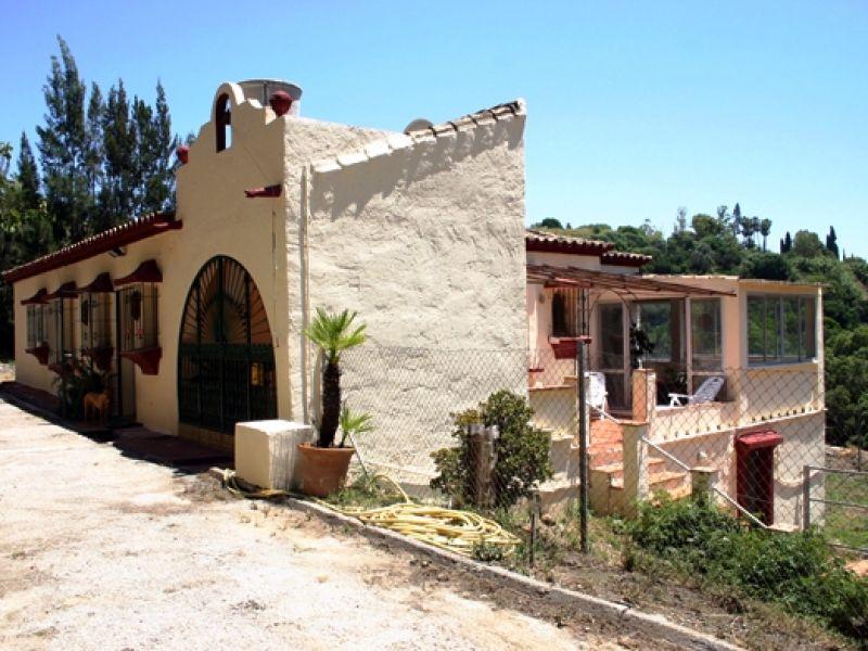 Plot for Sale in Puerto del Almendro, Benahavis