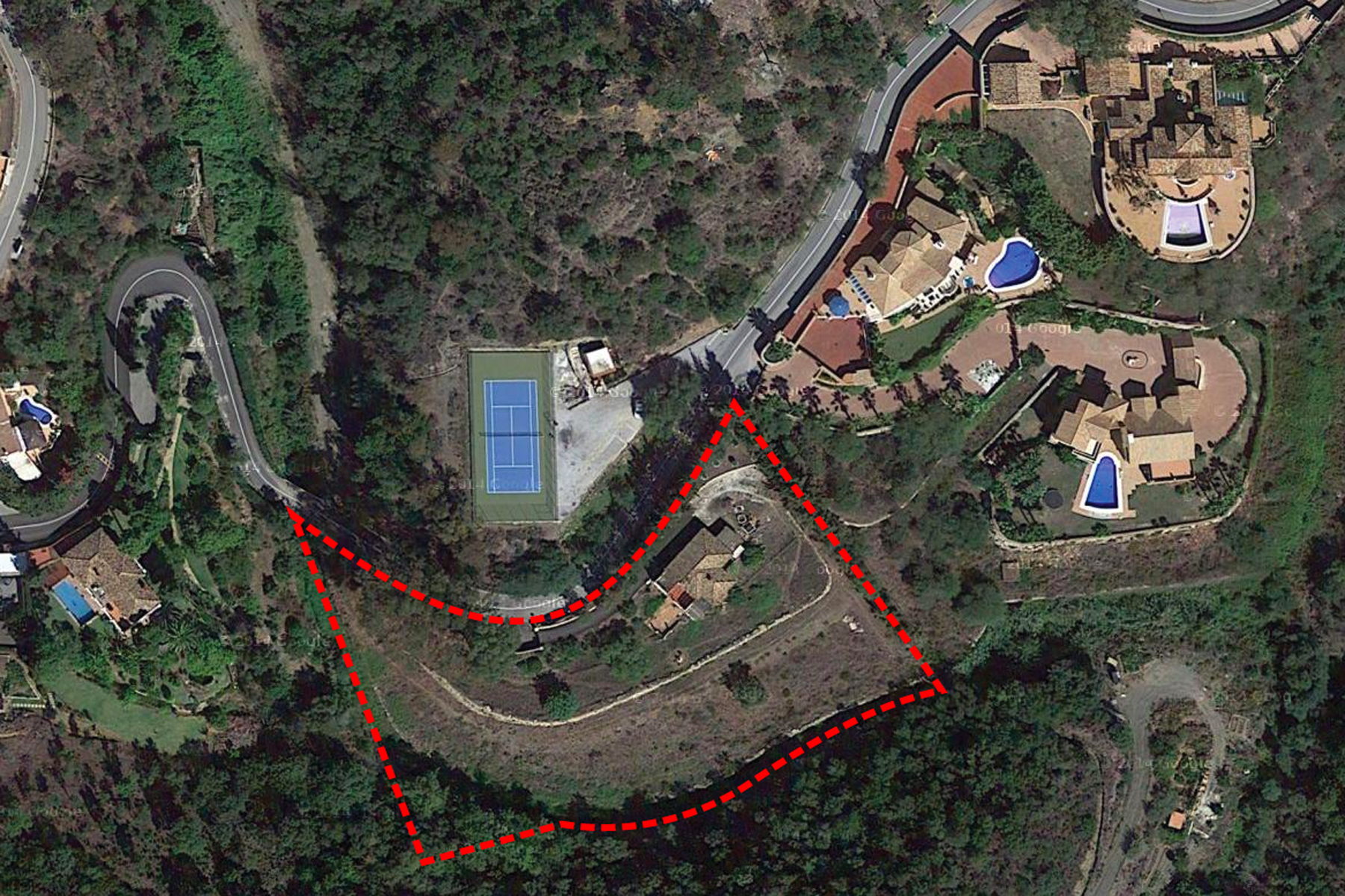 Plot for Sale in Puerto del Almendro, Benahavis