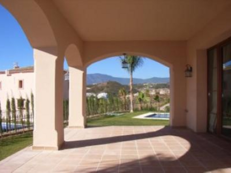 Villa for Sale in La Resina Golf, Estepona