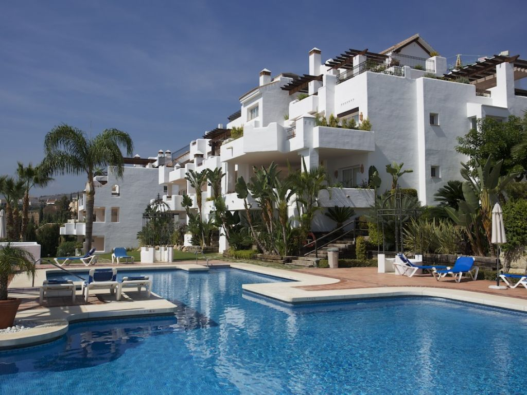 Apartment for Rent in Las Tortugas de Aloha, Nueva Andalucia