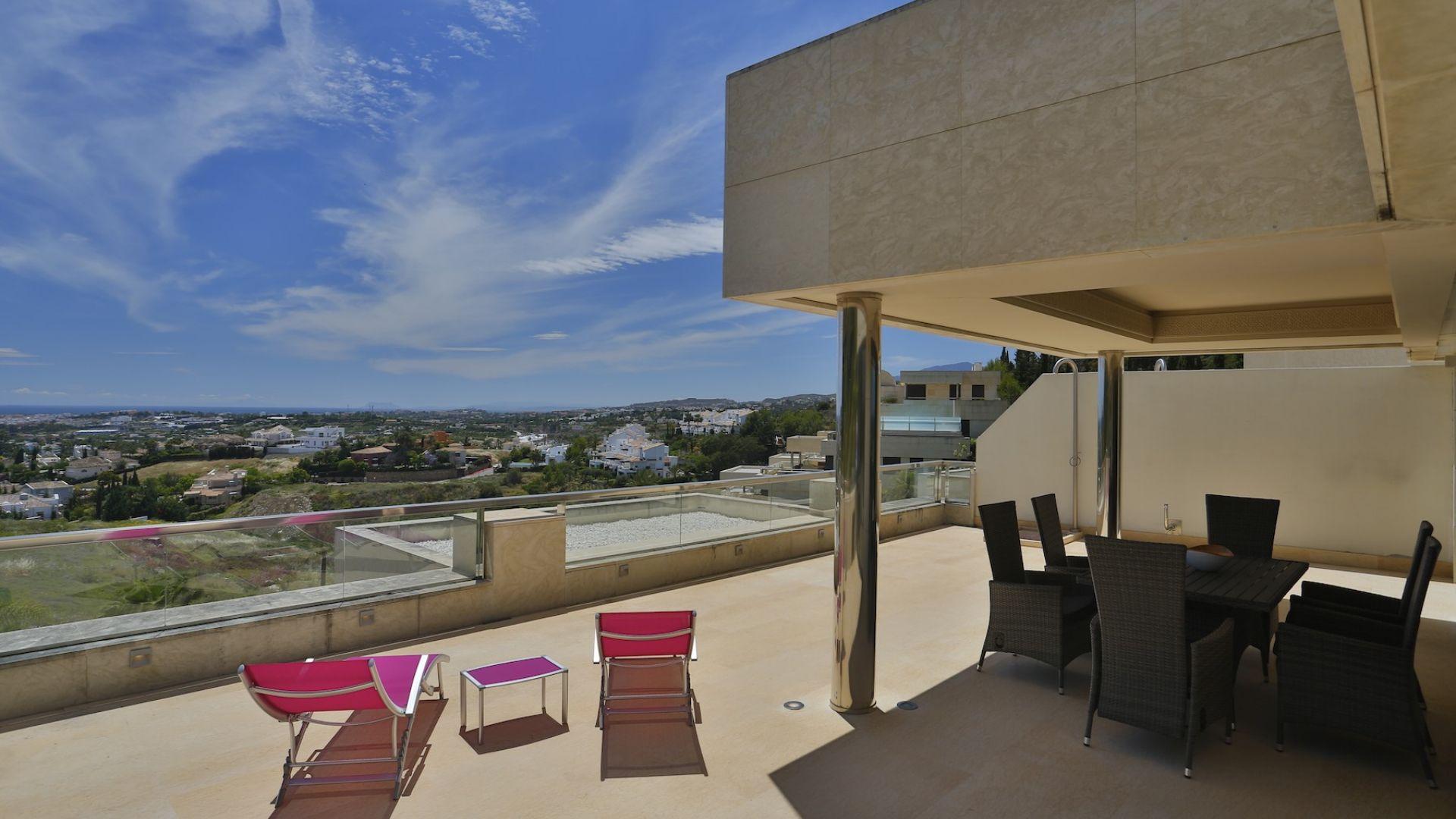 Apartment for Sale in Los Arrayanes, Nueva Andalucia
