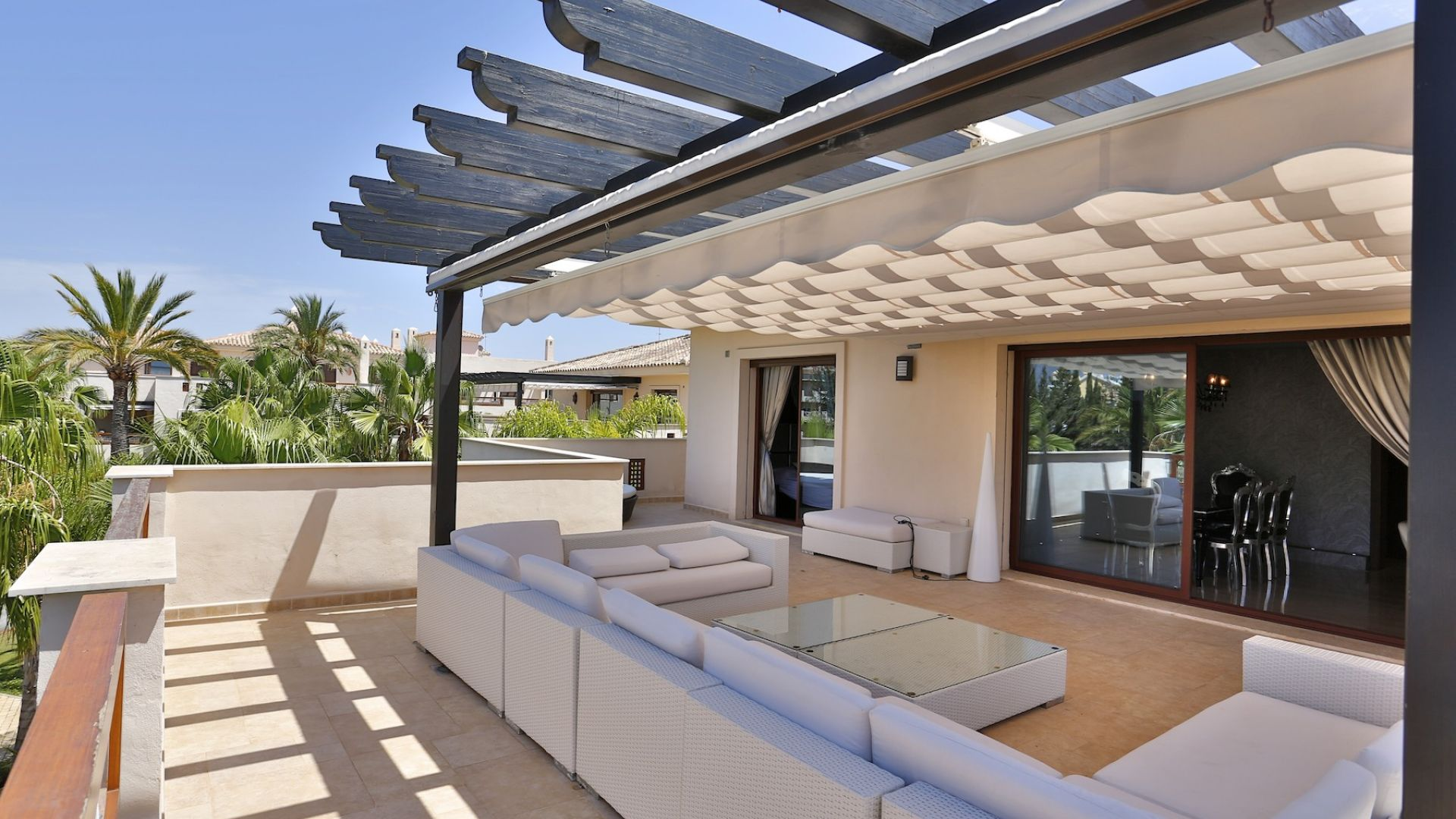 Penthouse for Sale and Rent in Medina de BanÌ_s, Nueva Andalucia