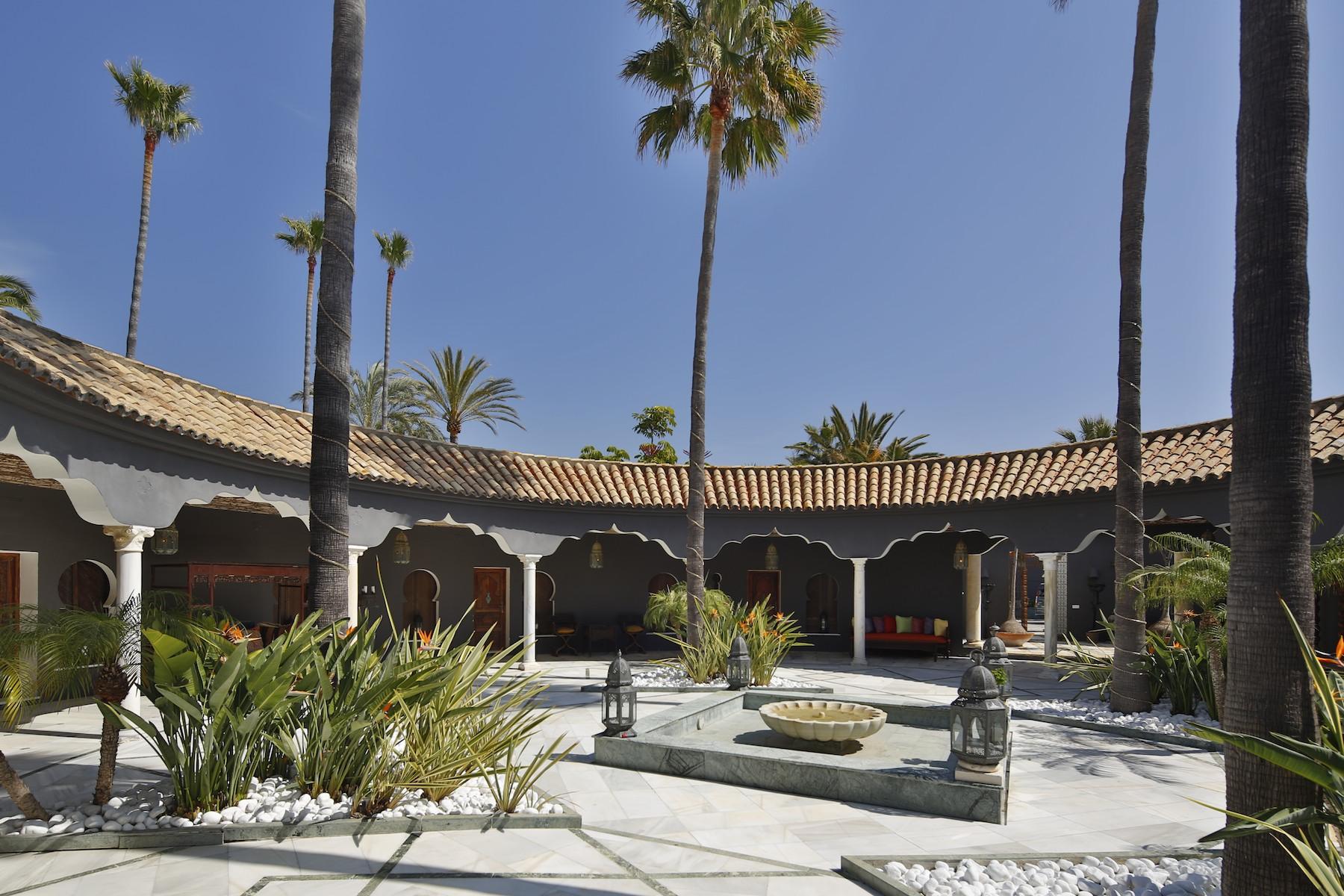 Villa for Sale and Rent in Los Monteros Playa, Marbella Este