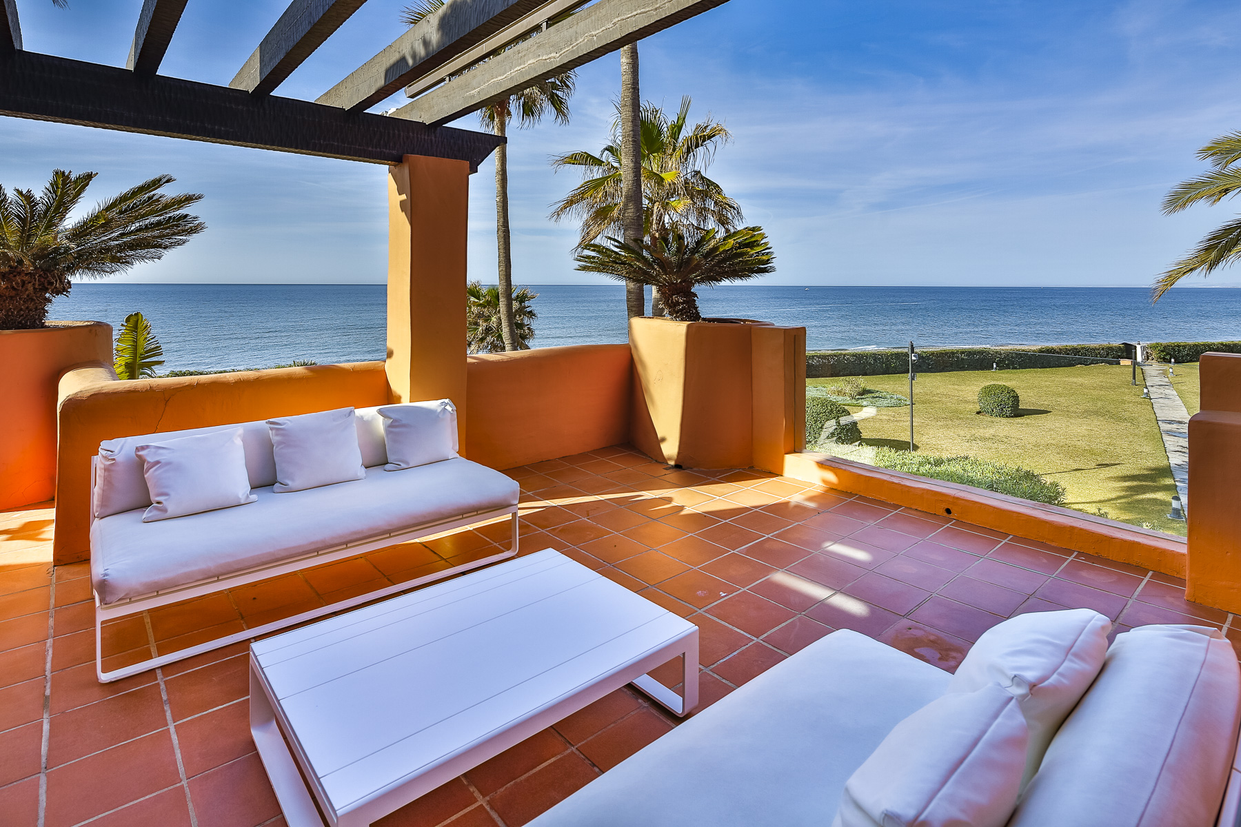 Duplex Penthouse for Sale in La Morera, Marbella Este
