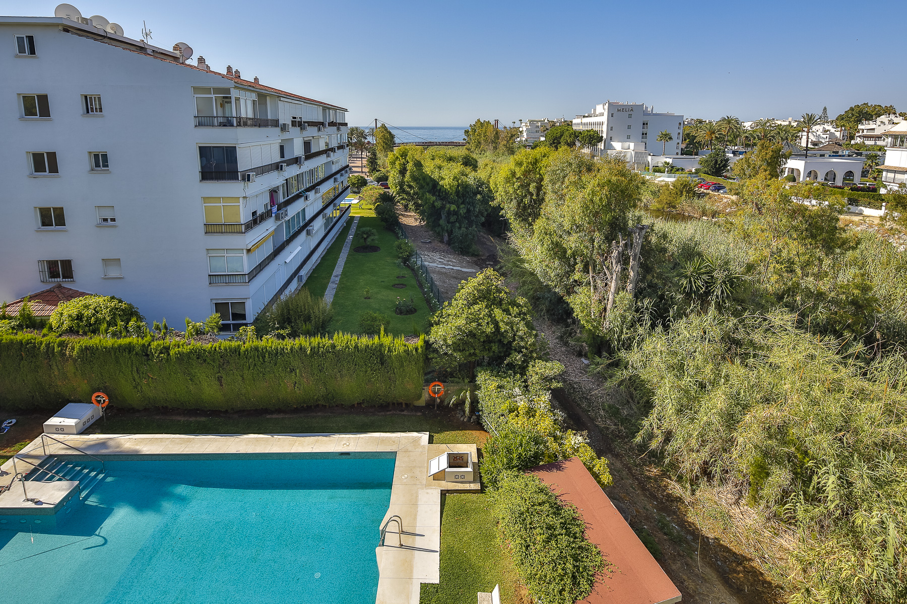 Apartment for Sale and Rent in Rio Verde Playa, Marbella Golden Mile