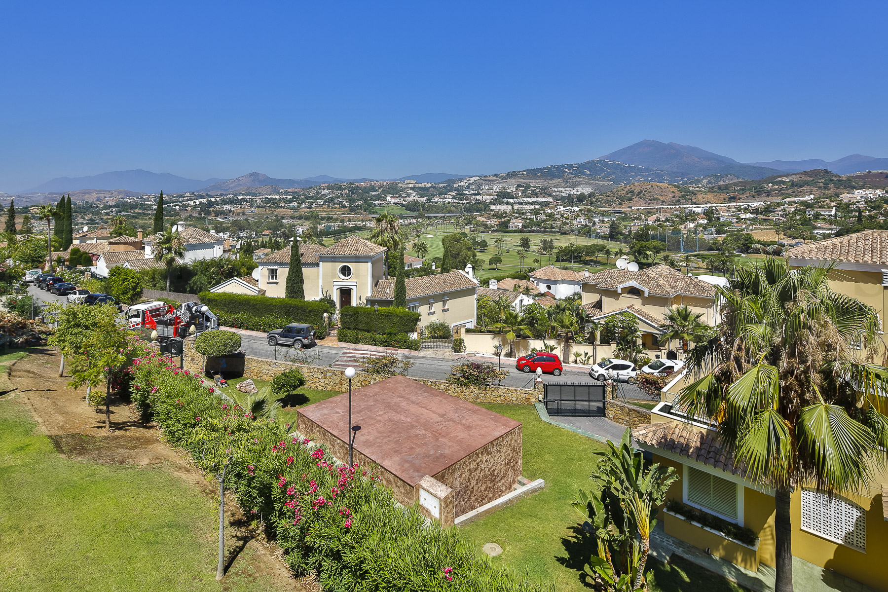 Apartment for Sale in Magna Marbella, Nueva Andalucia